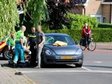 Scooterrijder naar ziekenhuis na aanrijding in Oldenzaal