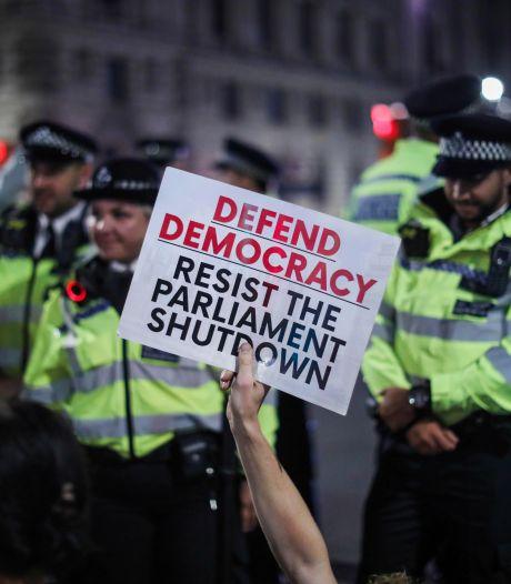 Miljoen krabbels tegen schorsing Brits parlement