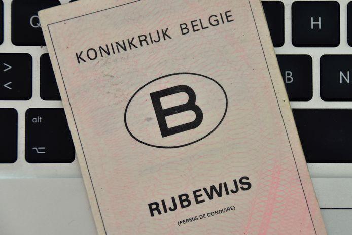 De zelfstandige ondernemer uit Heule had eigenlijk al lang een rijbewijs kunnen hebben, maar tot dusver nam de man daarvoor geen enkel initiatief.
