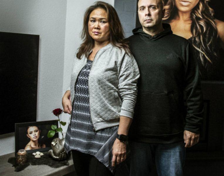 Loes (52) en Fred (48) wonen naast Ivana's ouders in Peer, net over de Belgische grens.