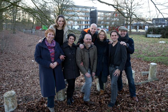 Het bestuur van Buddy to Buddy bij de start van het project met vlnr Elze Boshart,Willemijn Voorham,Maryam Farokhnya,Frank Ruijs,Marius Palsma,Ilonka de Haan,Amijn van Roon en Mari Plooij.