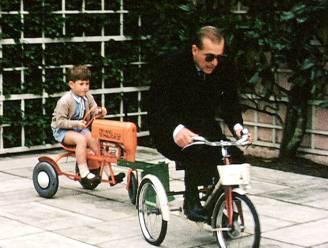 Prutsen met mosterd en racen op een driewieler: royals halen herinneringen op aan prins Philip in docu