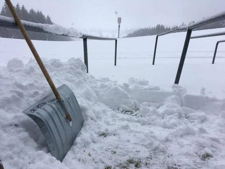 Vanmorgen viel een lading verse sneeuw op de piste van de Baraque Fraiture.