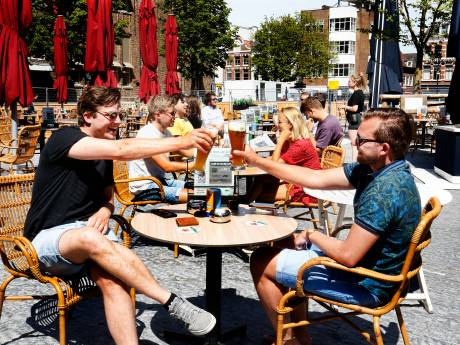 Drie, twee, een... Utrecht telde af voor een terrasje pakken: 'Het voelt wel een beetje als een dierentuin'