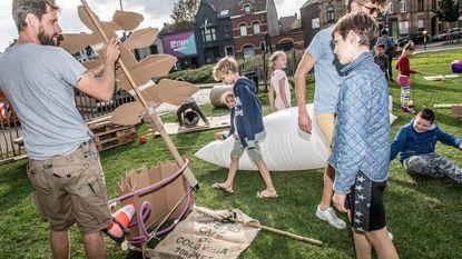 Kinderen leven zich uit met 'afval'