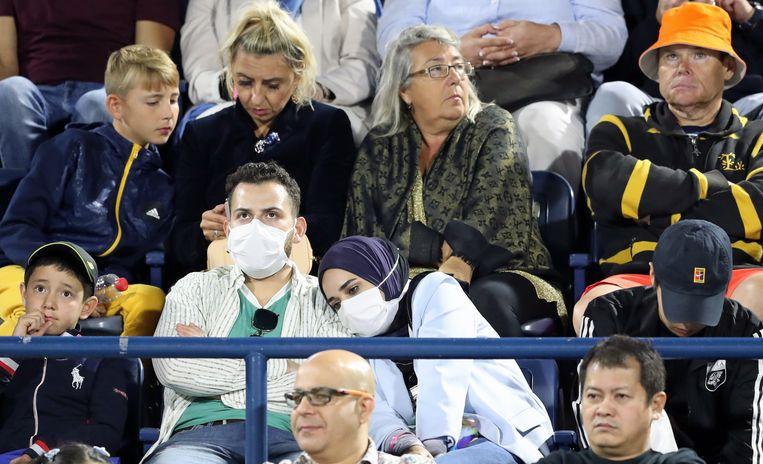 Toeschouwers bij een tennistoernooi in Dubai, gisteren.  Beeld EPA