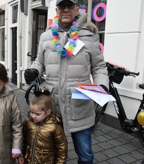 Een speciale parade van auto's voor de zieke Peter uit Den Bosch