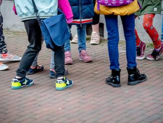 """Hogere coronacijfers bij kinderen omdat er meer wordt getest: """"Ook normaal dat het virus daar zijn weg vindt"""""""