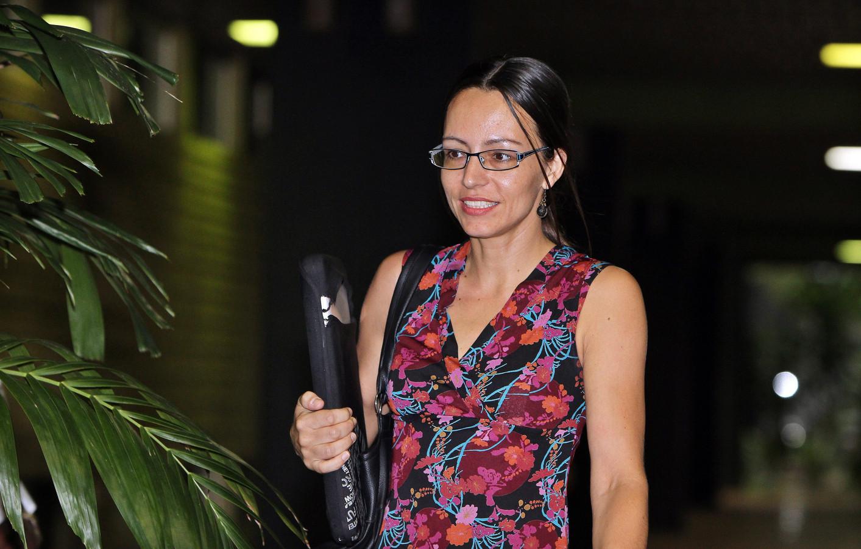 Tanja Nijmeijer in januari bij het Convention Palace in Cuba