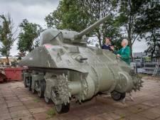 Shermantank keert weer op tijd terug naar Westkapelle