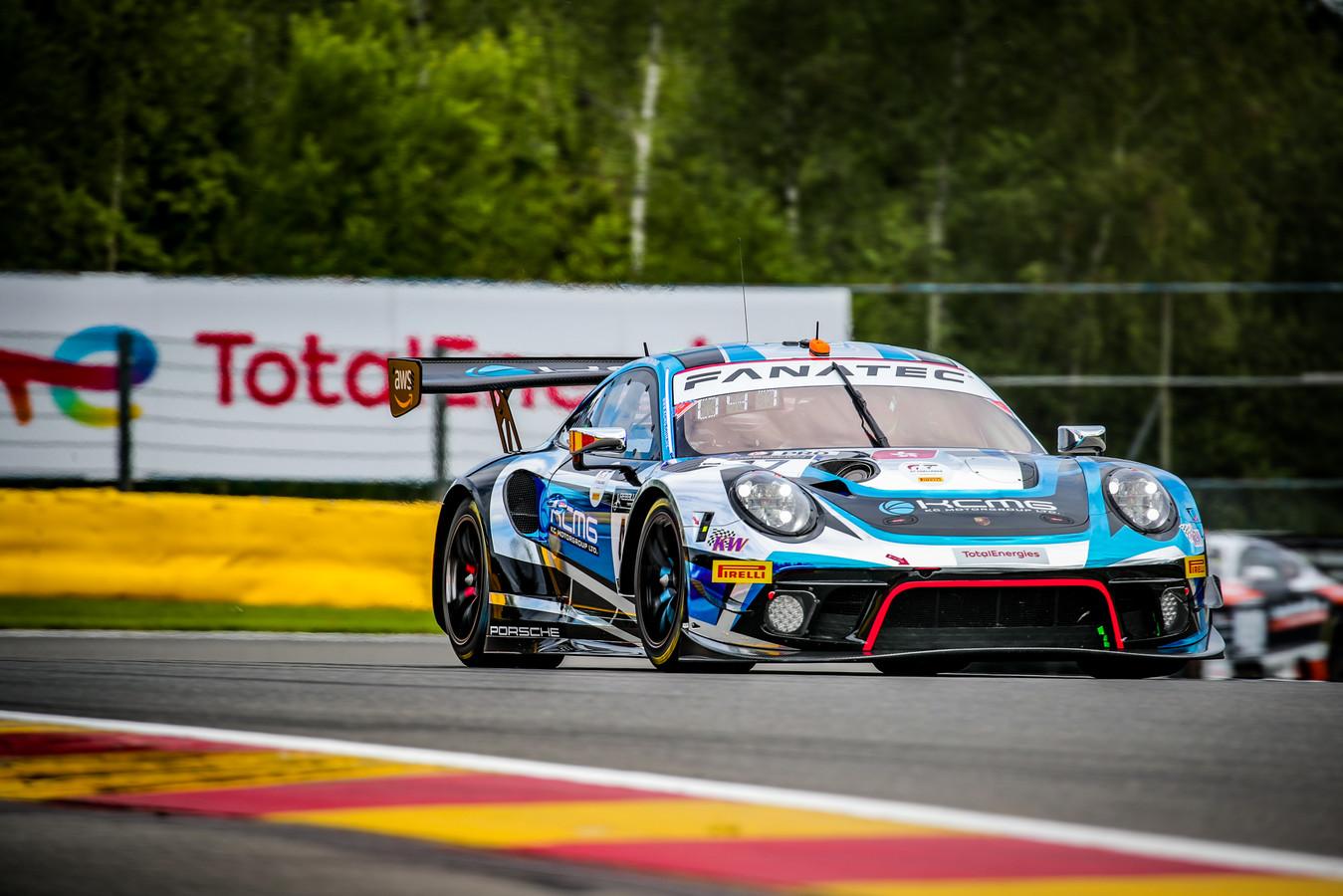 De KCMG Porsche 911 van ex-winnaars Laurens Vanthoor en Maxime Martin, kanshebber op de zege in de 73ste editie van de 24 uur van Spa.