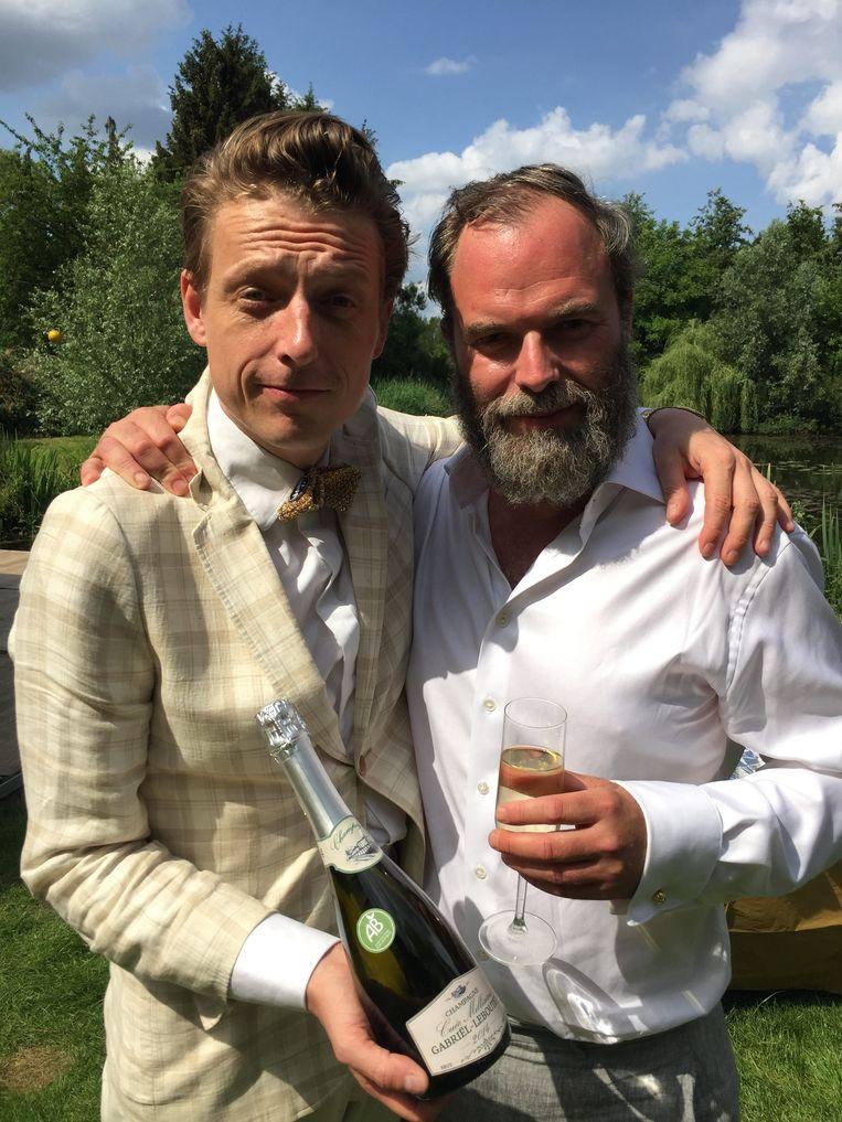 Bent Van Looy en Tomas De Soete, in 'Fiskepark'. Beeld © De Mensen