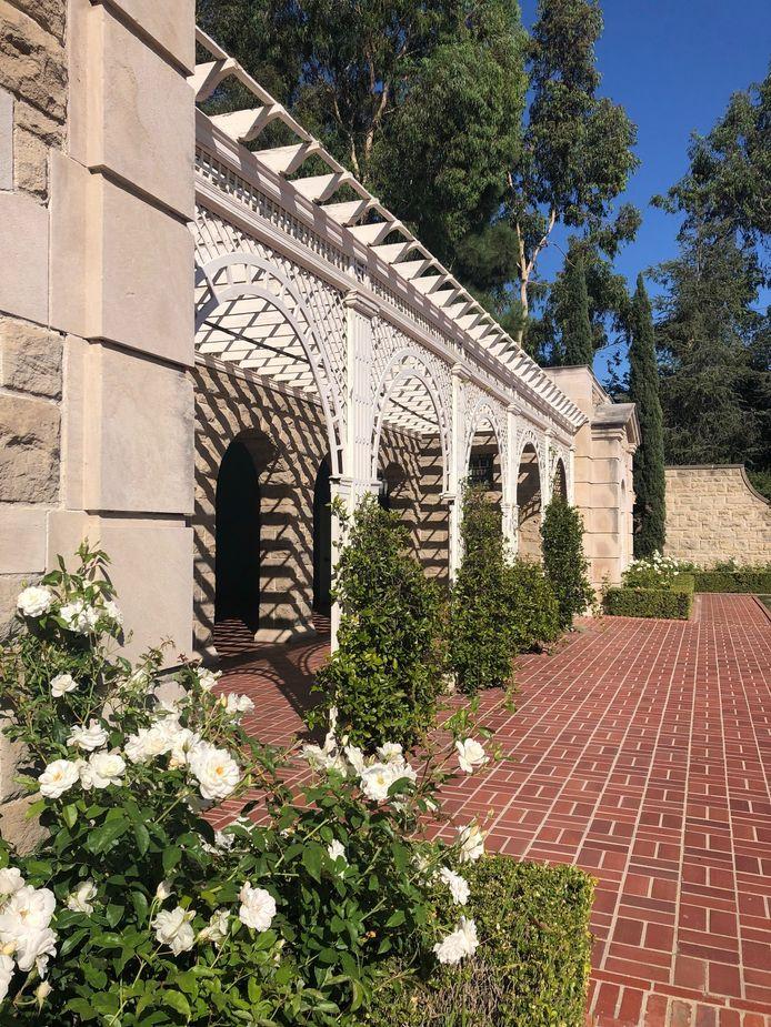 Dans les jardins de la Greystone Mansion.