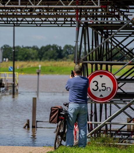 Vanaf de dijk kun je dat water mooi zien, maar dat kan een keer gevaarlijk worden