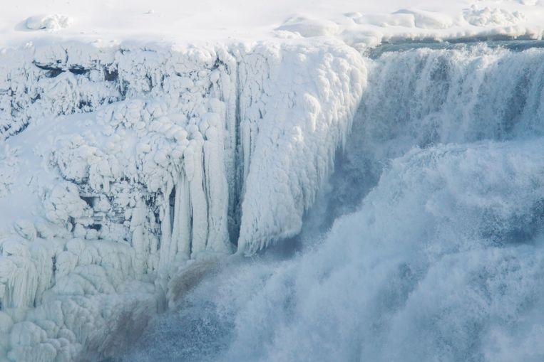 IJs aan de Amerikaanse zijde van de Niagarawatervallen. Beeld AFP