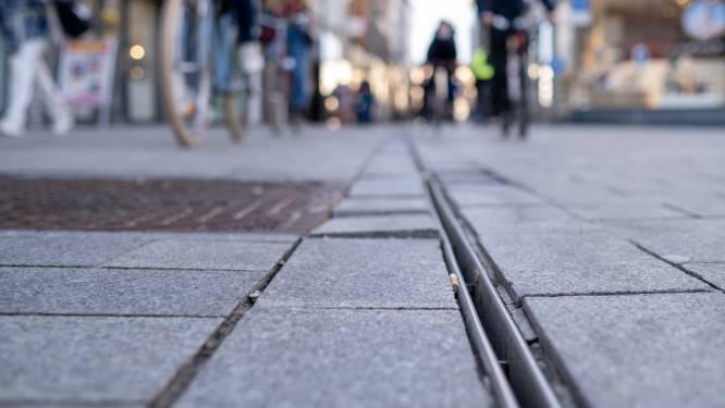 Stenen Bruul komen los: stad legt nieuwe goot aan