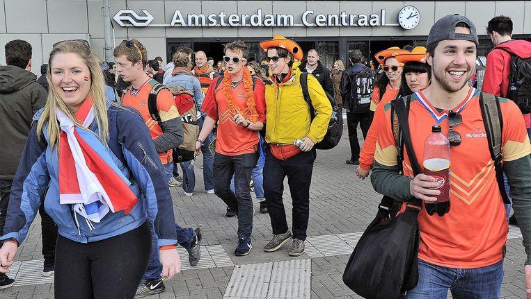 Naar verwachting pakken ongeveer 200.000 mensen de trein naar Amsterdam Beeld ANP