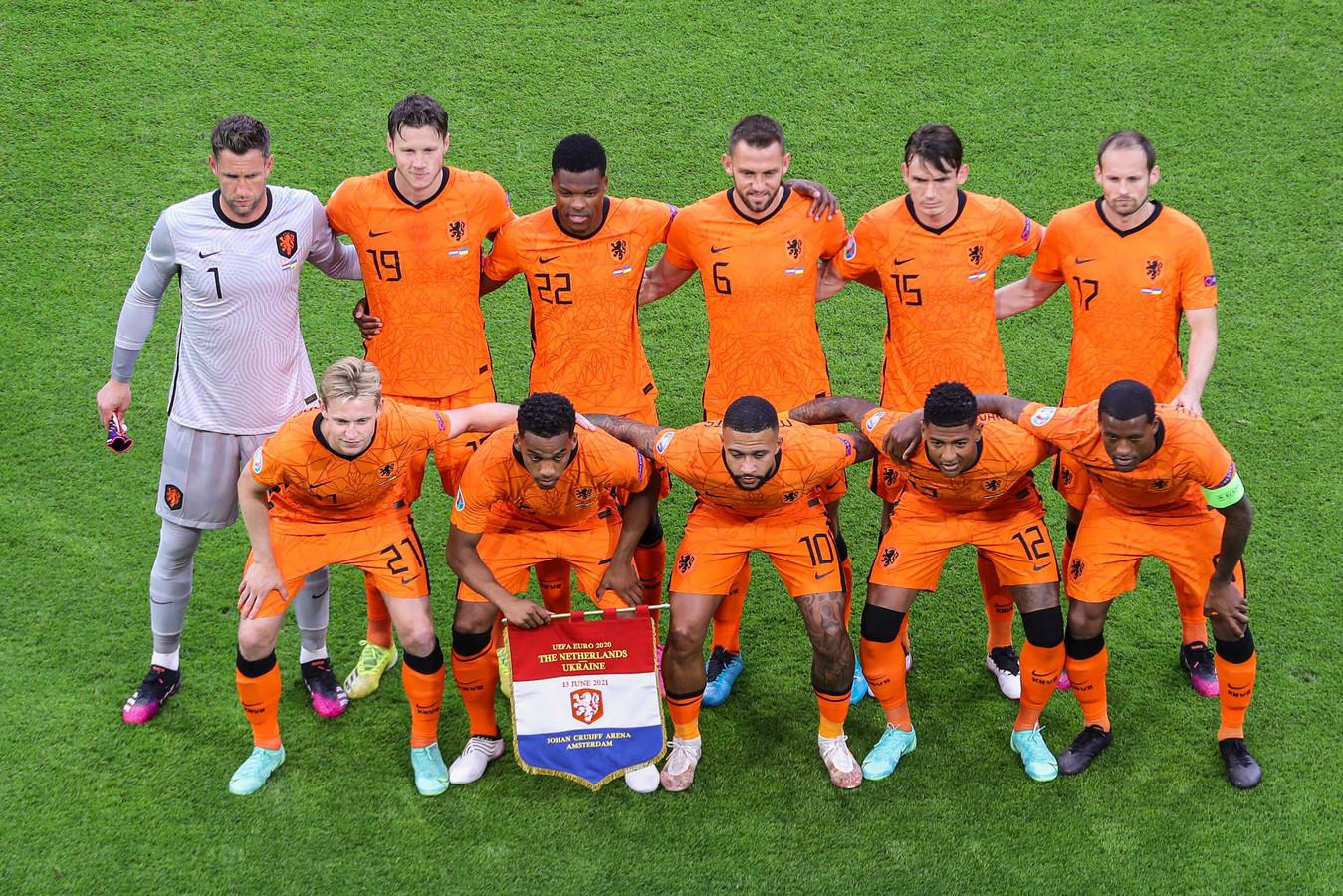 De basiself van Oranje tegen Oekraïne.