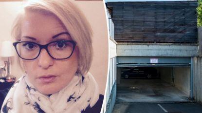 """""""Ben je al ooit aan een elektrische poort gaan hangen terwijl ze opengaat?"""": vrouw (40) sterft terwijl ze stunt demonstreert aan vriendin"""