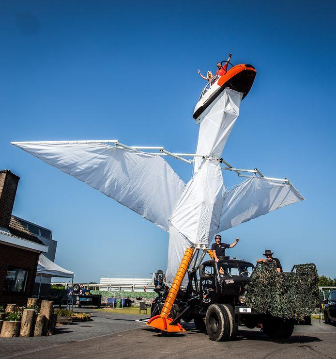 De 'Flying Duck' zal dit weekend veel bekijks trekken op de Zwarte Cross.