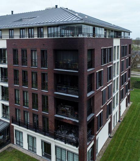 Twee doden bij uitslaande brand in wooncomplex in Delden