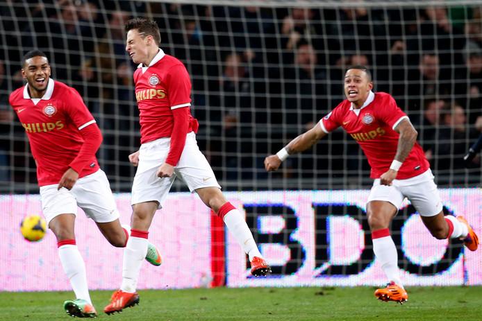 Na de derde competitiewedstrijd belandde Arias op de bank en kreeg Joshua Brenet de voorkeur. Op 10 november zou hij terugkeren in de basis om daar niet meer uit te verdwijnen. Zijn eerste doelpunt maakte hij op 8 februari 2014 tegen FC Twente (de 1-0, PSV zou winnen met 3-2). Die overwinning vormde de wederopstanding van het tot dan toe kwakkelende PSV. De Eindhovenaren stonden op dat moment zevende en zouden het seizoen als nummer vier eindigen.