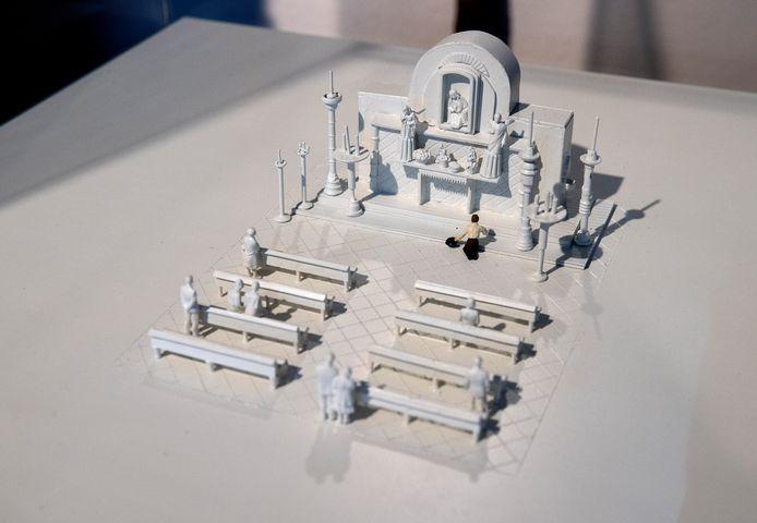 De maquette over Johan Wigmans die snikkend neervalt voor het Maria-altaar in de Sint Janskathedraal in Den Bosch.