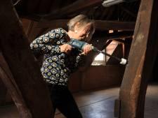 Balken uit de veertiende eeuw ontdekt, maar speurtocht naar oudste Dordtse pand gaat door
