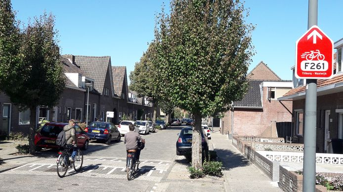 Bewoners van de Besoyensestraat in Waalwijk zitten niet te wachten op een snelfietsroute door hun straat. Hun kritiek vindt gehoor.