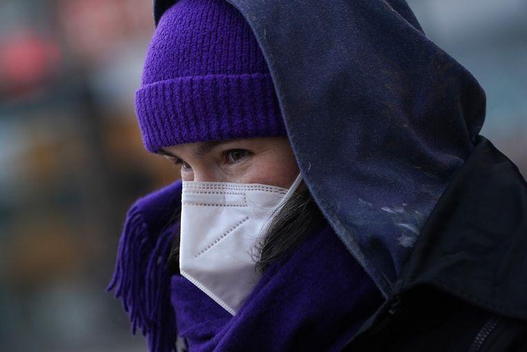 Chirurgische en stoffen mondmaskers zijn goed, met sjaals en bandana's moet het afgelopen zijn, zeggen de experts. Beeld Getty Images