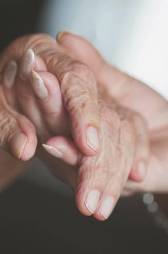 Hoe blijf je connectie maken met alzheimerpatiënten? Wetenschapper tipt 11 concrete methodes die ook toegepast worden in de reclamewereld
