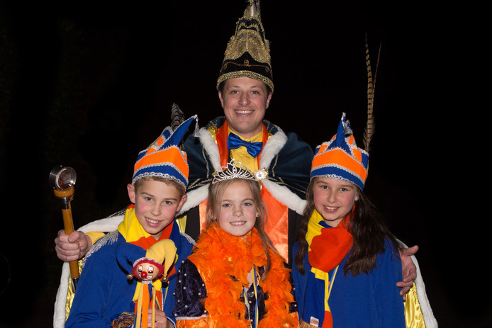 Prins Driek van Krabberdonk met de jeugdhoogheden