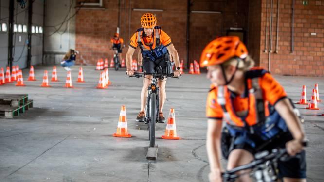"""Hasseltse politie te fiets gaat nog meer trainen: """"Iemand controleren of patrouilleren op de fiets vergt oefening"""""""