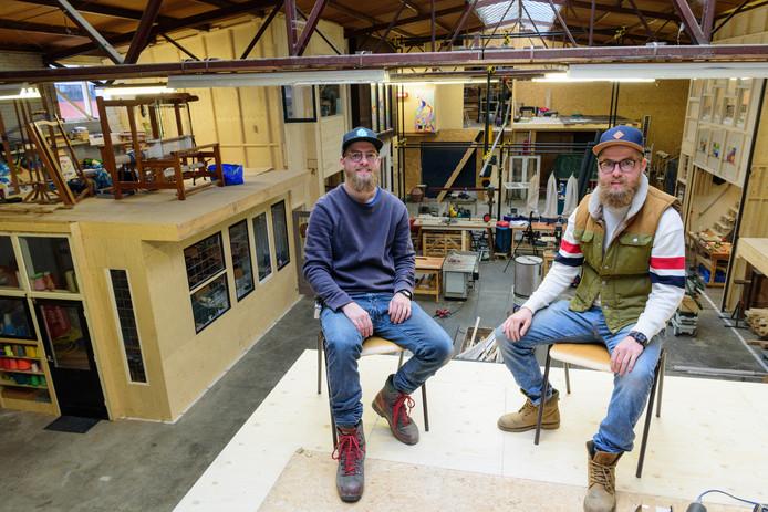 Mark (links) en Rob Schevers in de centrale hal van hun Fabriek aan de Eem.
