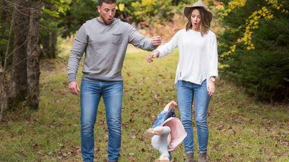 Oeps: hilarische fail tijdens fotoshoot Canadees gezinnetje gaat viraal