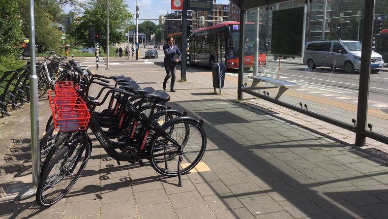 Het gebruik van de fietsen kost 1 euro per half uur. Beeld Connexxion