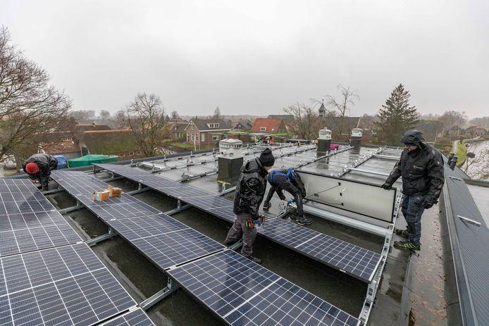 De Bergse raad wil zonnepanelen vooral op daken.