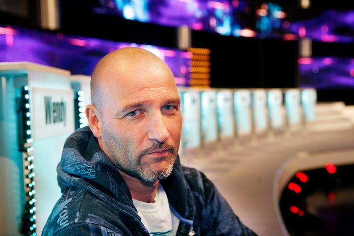 Presentator Eddy Zoey in het RTL 5 datingprogramma Take me out.