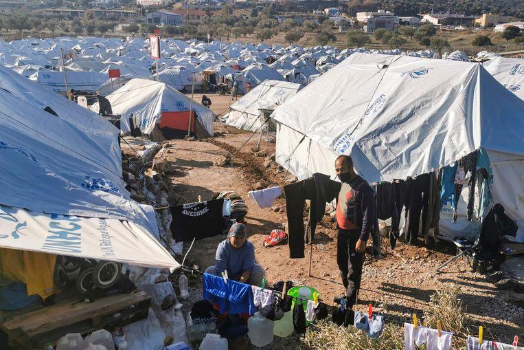 Het vluchtelingenkamp Kara Tepe eind vorig jaar op het Griekse eiland Lesbos. Beeld AFP