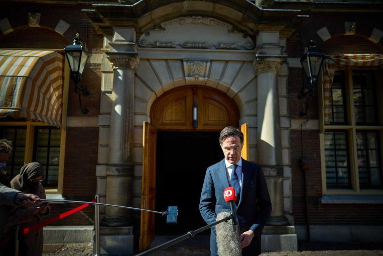 Demissionair premier Mark Rutte maakte vrijdag bekend dat de kabinetsnotulen over de toeslagenaffaire en Omtzigt openbaar worden.  Beeld EPA