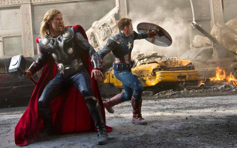 Chris Hemsworth en Chris Evans in The Avengers van Joss Whedon. Beeld