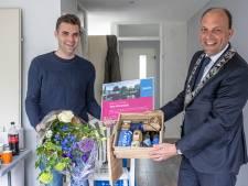 Zwolle verwelkomt haar 130.000ste inwoner: 'ik kreeg een mailtje dat er een loting was geweest'