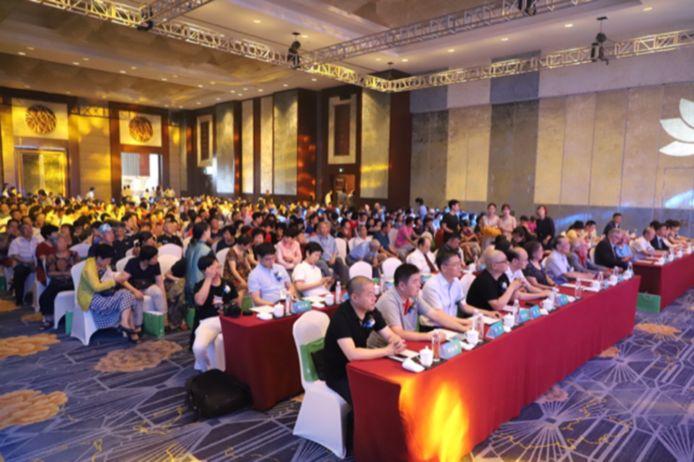 In China gaat het al snel om zalen met honderden geïnteresseerde professionals.