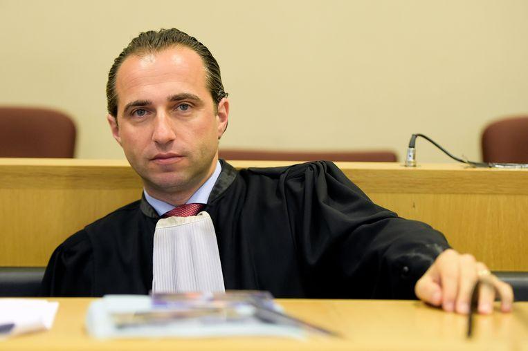 """Bert Partoens, advocaat van beklaagde D.: """"De stoppen van mijn cliënt zijn doorgeslagen nadat 'de baas van de straat' hem had uitgemaakt voor 'neger' en 'homo'."""""""