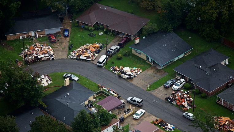 De bus met hulpverleners was op weg naar het door overstromingen getroffen gebied in Baton Rouge. Beeld AP