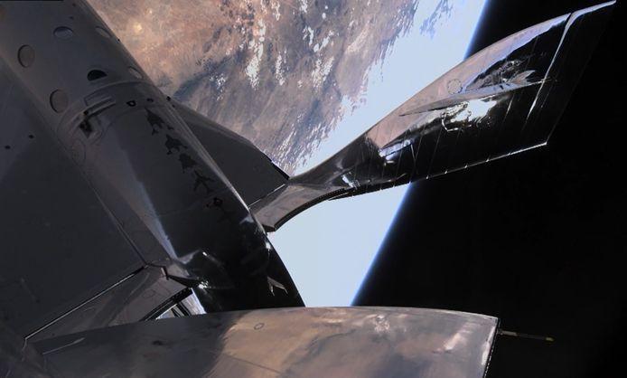 Virgin Galactic a effectué ce samedi son premier vol habité jusqu'aux confins de l'espace à l'aide d'une fusée depuis le Nouveau-Mexique.
