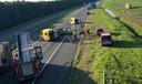 Hulpverleners bij de auto op de A6