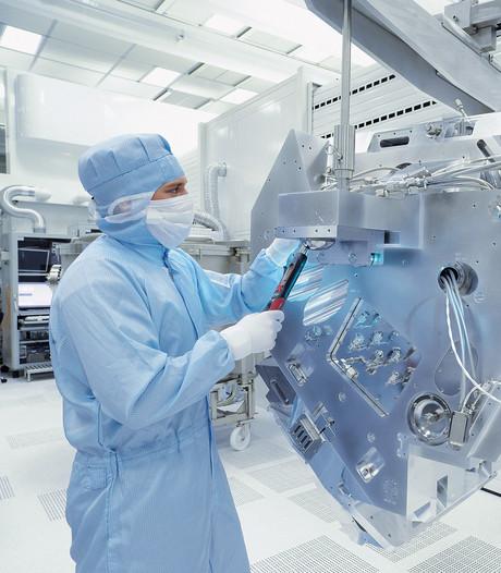 ASML boekt met nieuwe lichtbron vooruitgang in EUV technologie
