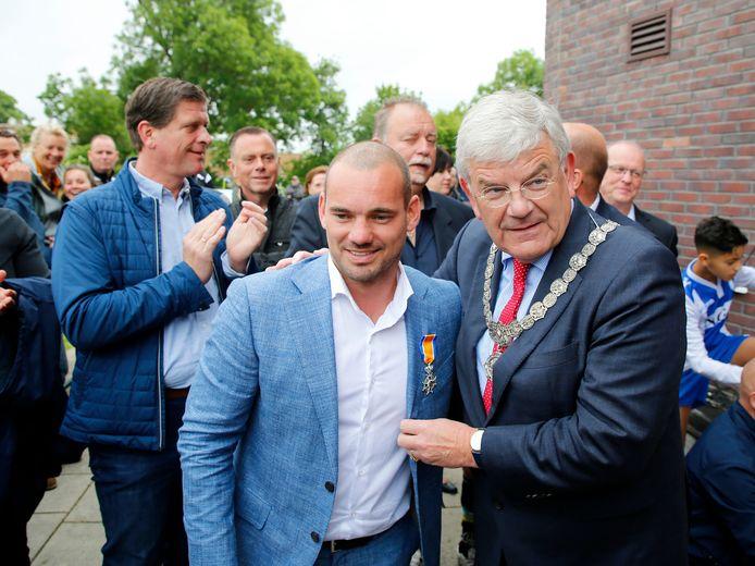Wesley Sneijder en burgemeester Jan van Zanen van Utrecht.