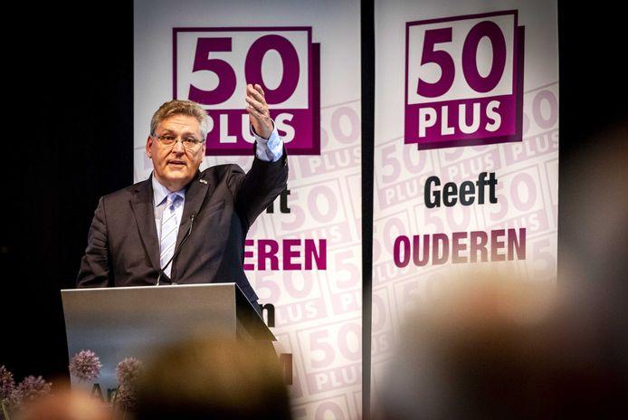 Henk Krol tijdens een ledenvergadering van 50Plus